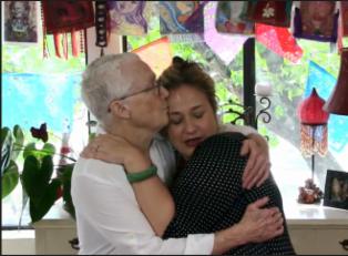 shiloh-and-sue-hugging